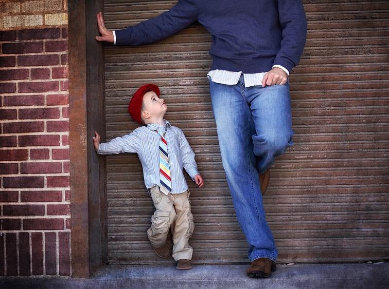 ανατρέφοντας γιους