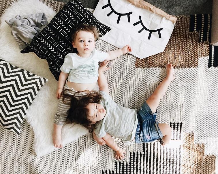 """""""Όταν κοιμάται το μωρό κάνε και καμιά δουλειά"""" - εσύ δεν θες νταντά, οικιακή βοηθό θες"""