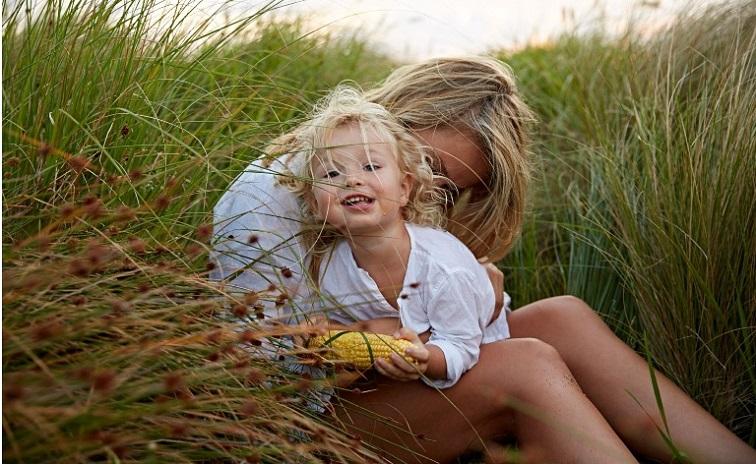 Δεν μπορείς να κακομάθεις ένα παιδί δίνοντάς του αγάπη