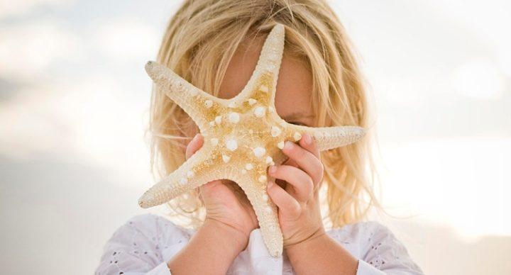Όταν ένα παιδί χτίζει στην άμμο, αφήνει το στίγμα του στον κόσμο