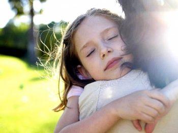 Να φερόμαστε στα παιδιά μας όπως θα θέλαμε να μας είχαν φερθεί οι γονείς μας