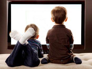 """""""Μαμά είδα στην τηλεόραση δυο που έκαναν αχ και βαχ"""" - Τι του λέμε τώρα;"""