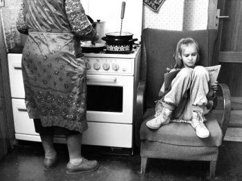 """Παππούδες: """"τα κάνουν όλα και συμφέρουν"""" - babysitting και οικονομική βοήθεια"""