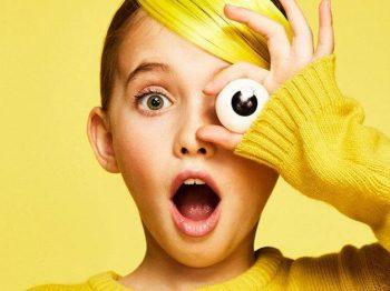Ξέρετε τί νομίζουν τα παιδιά όταν οι γονείς τούς λένε ότι είναι έξυπνα;