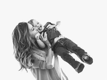 Το χάδι της μάνας είναι το γάλα της ψυχής