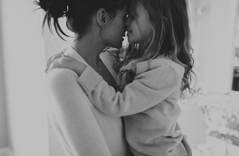 Γονιός σημαίνει να κλείνεσαι στο w.c για να μείνεις μόνος σου - και τόσα ακόμα