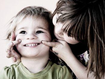 6 τρόποι για να βοηθήσετε το παιδί σας να αναπτύξει τη συναισθηματική του νοημοσύνη