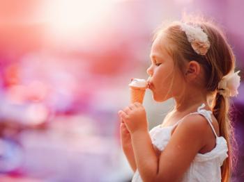 Τι και πώς να τρώνε σωστά τα παιδιά το καλοκαίρι
