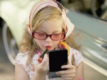 Τα σημερινά παιδιά έχουν πολύ λίγο χρόνο για να είναι παιδιά