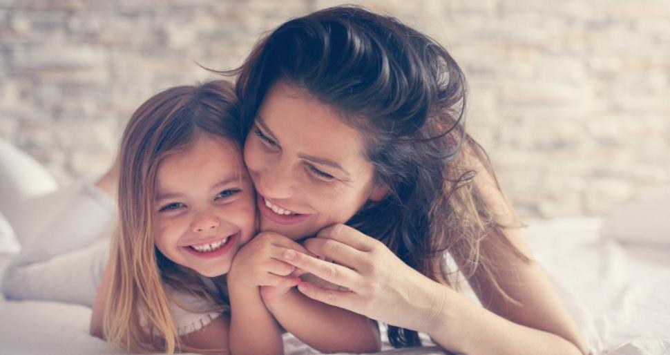 Ποτέ δεν είναι αργά να εμφυσήσεις καλούς τρόπους συμπεριφοράς στα παιδιά σου