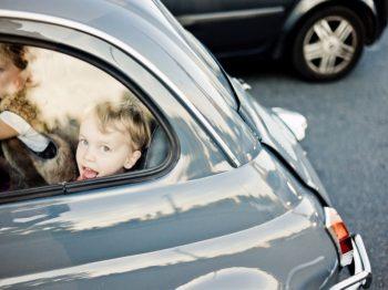 Ανεύθυνος γονιός στο τιμόνι - αυτή η μάστιγα