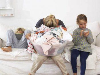 """Οι """"φιλελεύθεροι"""" γονείς δημιουργούν κανόνες καταπίεσης προς τον εαυτό τους"""