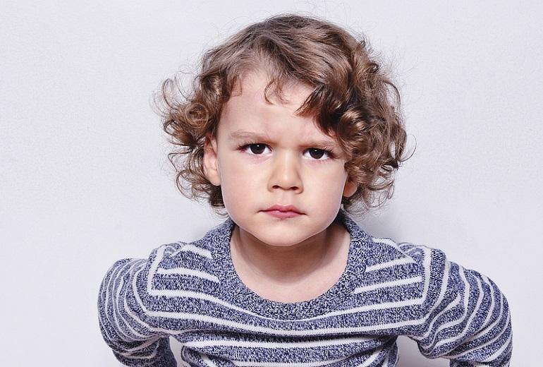 στο παιδί να αναγνωρίζει και να εκφράζει τα συναισθήματά του