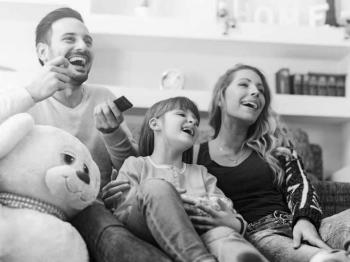 5 tips για να απολαμβάνετε περισσότερο τις οικογενειακές βραδιές