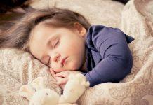 κοιμίζουμε τα παιδιά