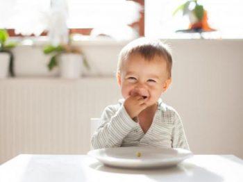 Να γιατί δεν πρέπει να επιβραβεύεις με φαγητό ή γλυκό το παιδί για να κάνει αυτό που θες