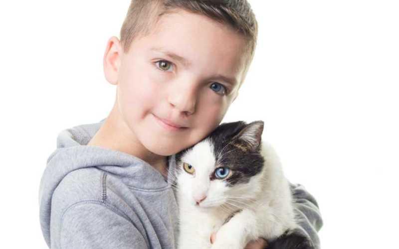 Ο 7χρονος Madden δεχόταν bullying για την εμφάνισή του μέχρι που βρήκε ένα γάτο ίδιο με αυτόν