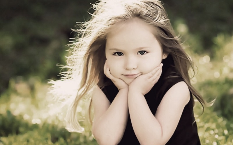 7 πράγματα που κάνουν οι υπερπροστατευτικοί γονείς και οι ζημιές που προκαλούν στο παιδί