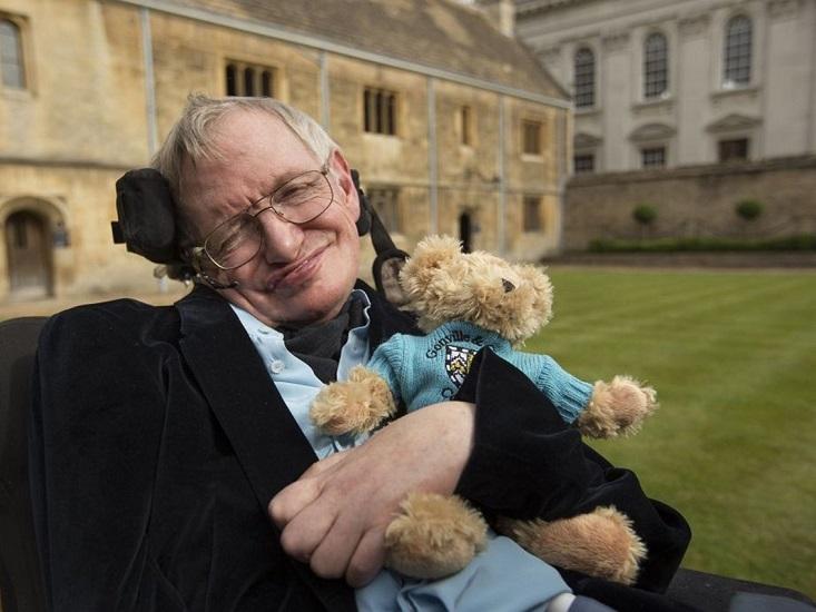 Stephen Hawking απεβίωσε
