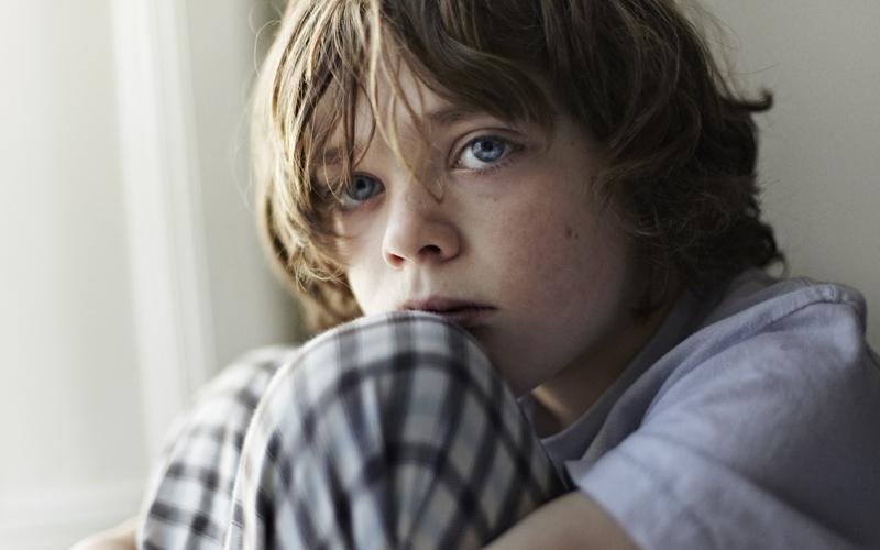 Οι προσβολές προς τα παιδιά είναι προβολές των δικών μας παιδικών τραυμάτων