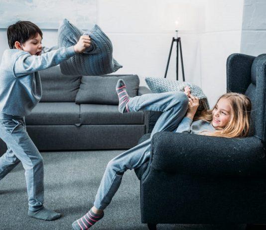 μαλώνουν τα παιδιά