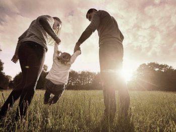 11 σημαντικές ερωτήσεις που πρέπει να κάνουμε ως γονείς στους εαυτούς μας