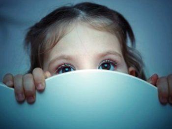 Παιδική κακοποίηση: Τα σημάδια που θα σε βάλουν σε υποψία και τι μπορείς να κάνεις