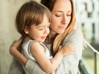 Ο υπερήρωας γονιός. Ένα νέο μοντέλο που προωθούμε οι ψυχολόγοι άθελά μας