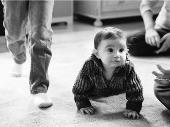 Πόσο δύσκολο είναι στ' αλήθεια να είσαι μικρό παιδί - μια μητέρα αφηγείται