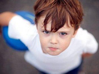 Πίσω από ένα κακομαθημένο παιδί βρίσκεται ένας γονιός που δεν θέτει όρια