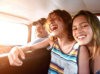 Σε ποια ηλικία είναι σωστό το παιδί να πάει μόνο του διακοπές;