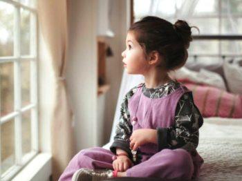 3  λόγοι που αφήνω τα (μικρά) παιδιά μου να διαλέγουν μόνα τους τα ρούχα τους
