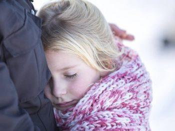 """Η """"τεχνική της σκαλωσιάς"""" που βοηθά το παιδί να γίνει πιο αυτόνομο - και εσάς πιο ήρεμοι"""