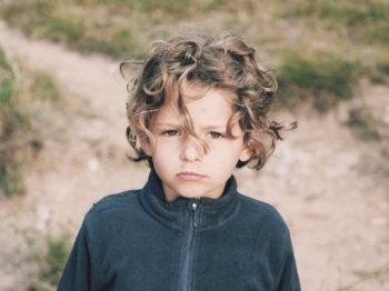 """Η συμπεριφορά """"κοιτάξτε με έχω αλλάξει"""" είναι το καμπανάκι για να προσέξεις το παιδί σου"""