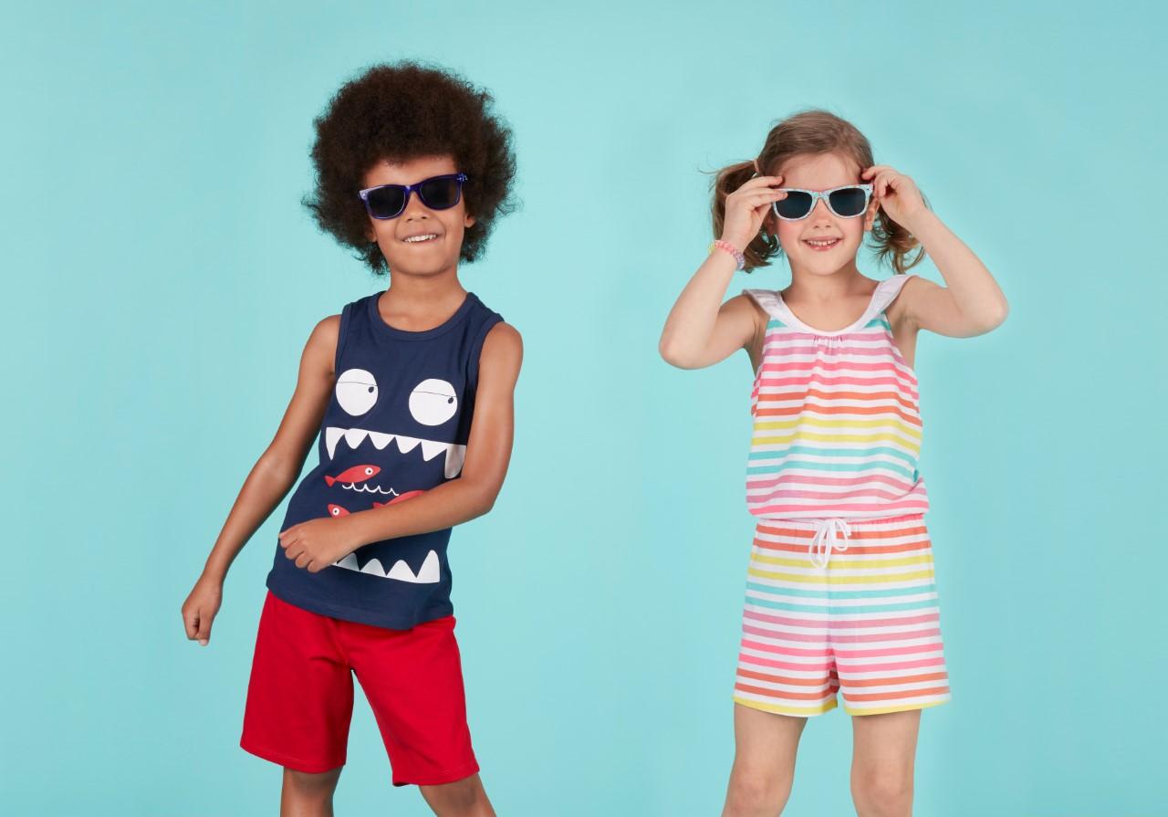 5 tips για έξυπνες και οικονομικές αγορές σε παιδικά ρούχα, παπούτσια & αξεσουάρ για το καλοκαίρι