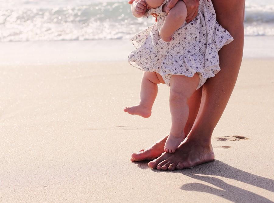 5 συχνά λάθη που κάνουμε ως γονείς σχετικά με την αντηλιακή προστασία των παιδιών μας