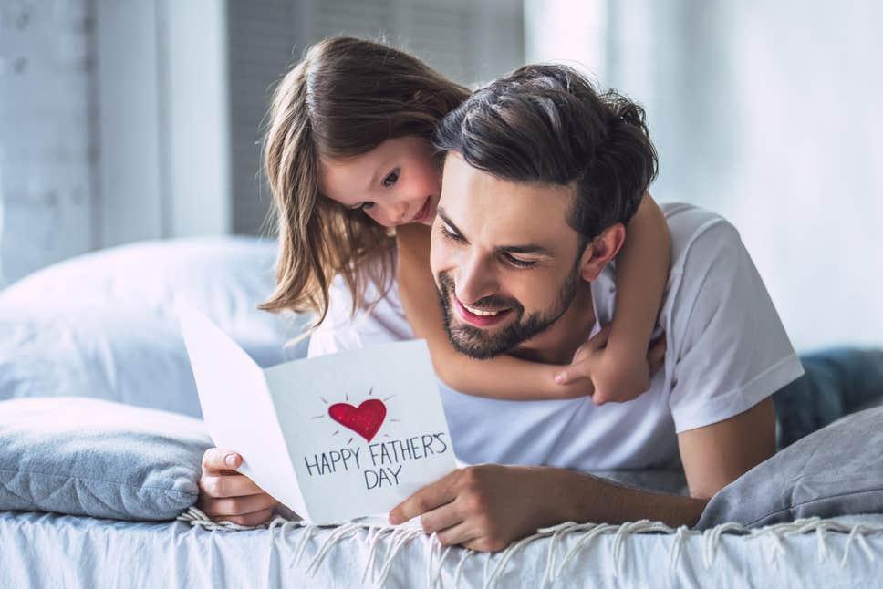 Γιορτή του Πατέρα | Ένας μπαμπάς μας υπενθυμίζει ότι πατέρας δεν γεννιέσαι, γίνεσαι