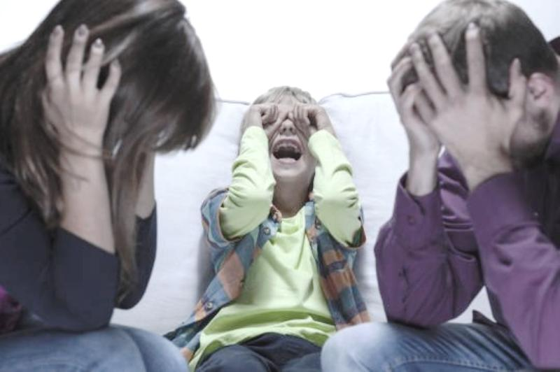 Πώς οι γονείς, συχνά, κάνουμε τα εύκολα, δύσκολα - 4 ιστορίες