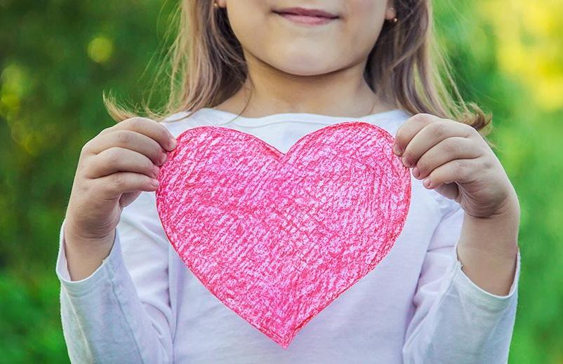 Όταν ένα παιδί με ρώτησε: Η καρδιά μένει στην ίδια θέση ή αλλάζει; - η τρυφερή απάντηση ενός καρδιολόγου