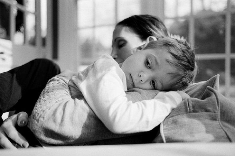 Οι άυπνες μητέρες διαφυλάσσουν το μέλλον του κόσμου