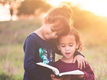 Παιδεία δεν είναι τα πτυχία. Παιδεία είναι ο σεβασμός στο παιδί του άλλου, στην κοπέλα στο ταμείο...