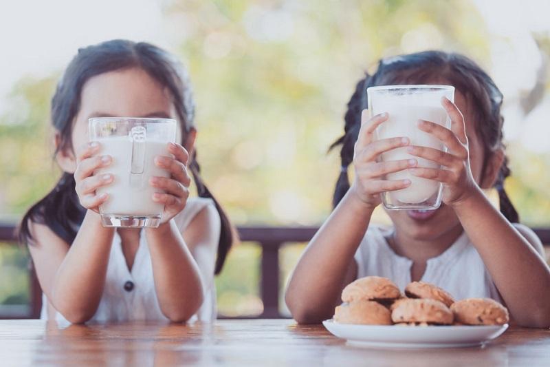 Πιες παιδί μου το γάλα σου το πρωί για να ψηλώσεις! Αλήθεια ή μύθος;