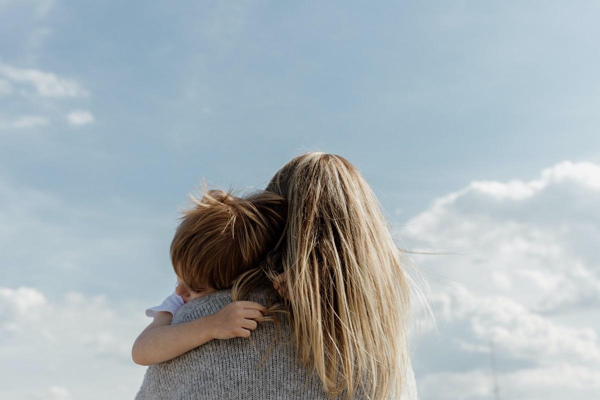 αγκαλιά ποτέ δεν κακομαθαίνει