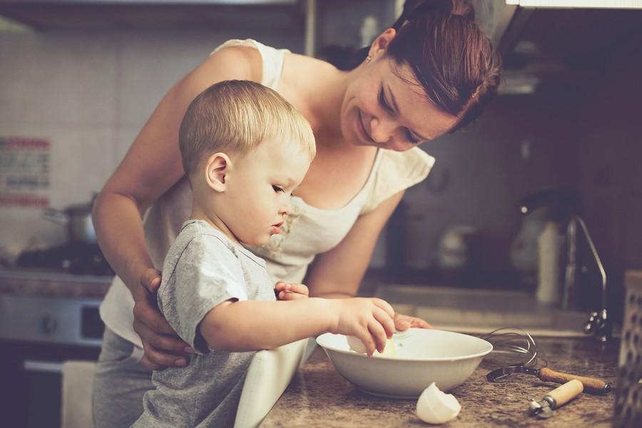 Μαγειρεύουμε για τα παιδιά μας ένα μοναδικό κοτόπουλο που μας προσφέρει 3πλή σιγουριά