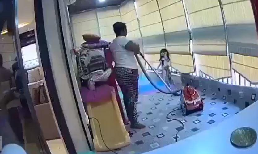 Βηρυτός | Οικιακή βοηθός αρπάζει και σώζει παιδάκι τη στιγμή της έκρηξης
