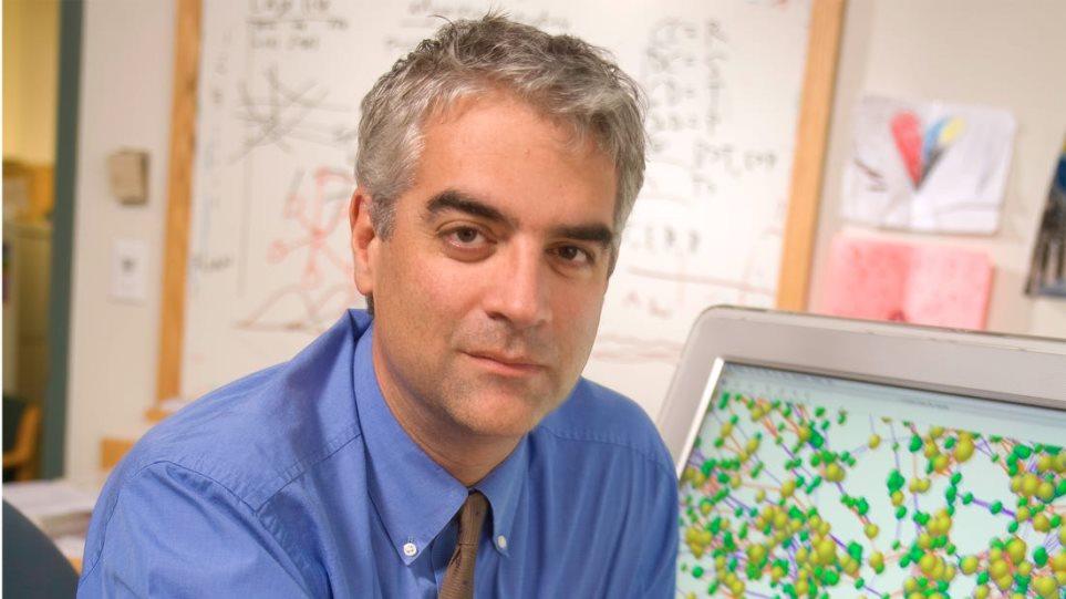 Κορονοϊός - Προειδοποιεί ο καθηγητής Χριστάκης (Yale): Το 40% του παγκόσμιου πληθυσμού θα νοσήσει