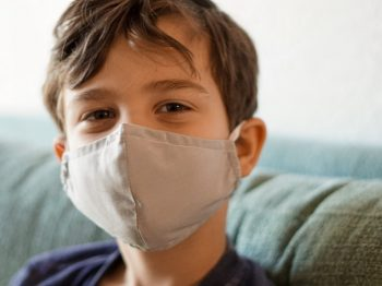 Από τα παιδιά μεταδίδεται κυρίως ο ιός σύμφωνα με νέα στοιχεία