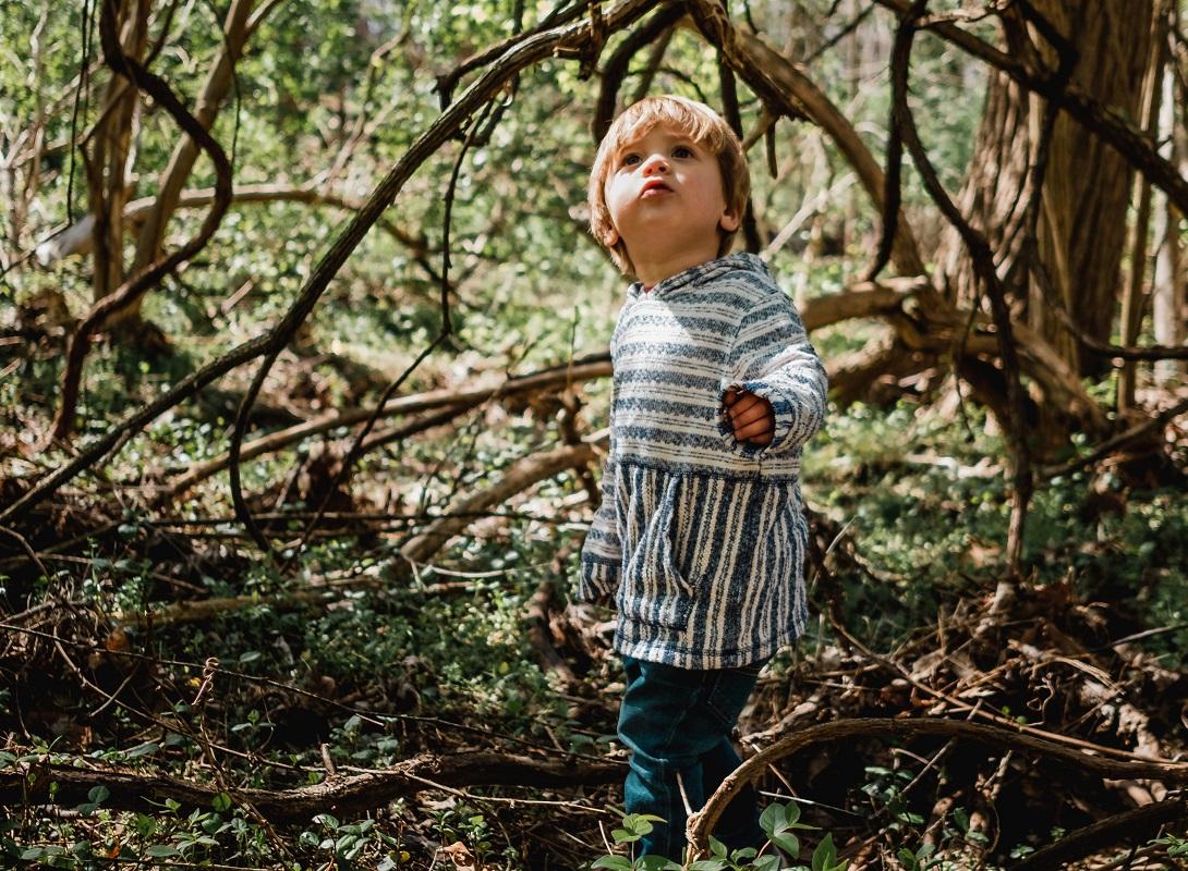 Η παιδίατρος προειδοποιεί: Τα παιδιά πρέπει να βγαίνουν έστω και μια μικρή βόλτα εν μέσω lockdown