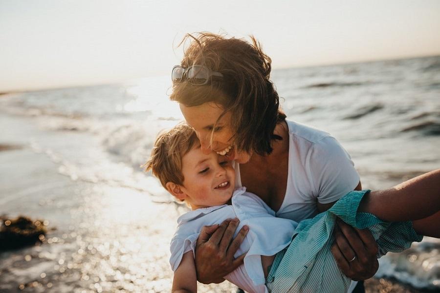 Η καλή μητέρα είναι αυτή που γίνεται αχρείαστη με το πέρασμα του χρόνου