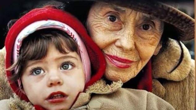 Θυμάστε τη γυναίκα που έγινε μητέρα στα 66 της χρόνια; Αυτή είναι η ζωή της 15 χρόνια μετά!